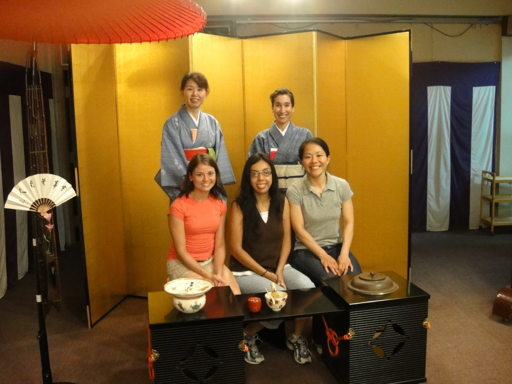 Representin' the Lady Trojans after learning to conduct a tea ceremony in Kyoto